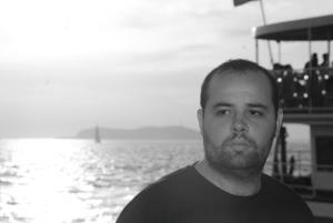 Emre Şahinler, Repertuvar adlı şiir kitabının şairi, Anima Yayınları, Kasım 2018.
